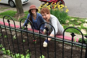 Flower Beds clinic on Grande Ave